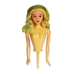 Kagedukke med blondt hår, PME